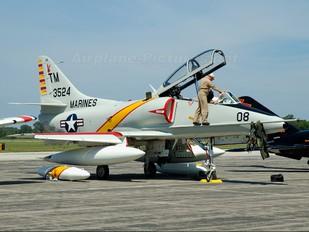 153524 - USA - Marine Corps Douglas TA-4J Skyhawk