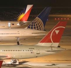 N550NW - Northwest Airlines Boeing 757-200