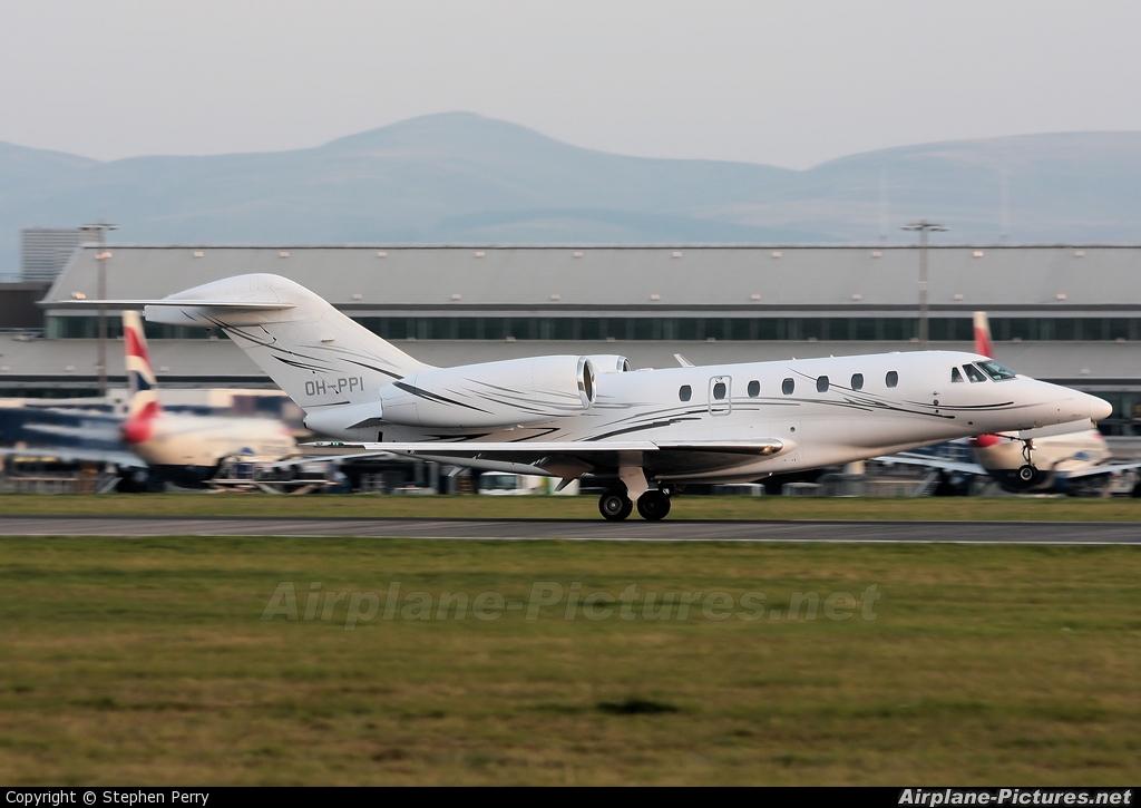 Airfix Aviation OH-PPI aircraft at Edinburgh