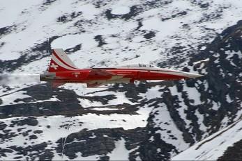 J-3084 - Switzerland - Air Force:  Patrouille de Suisse Northrop F-5E Tiger II