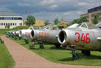 346 - Poland - Air Force PZL Lim-2