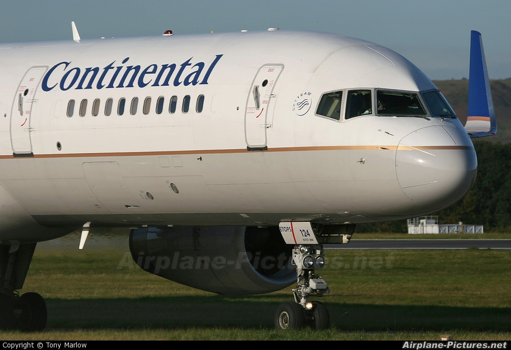 Continental Airlines N29124 aircraft at Edinburgh