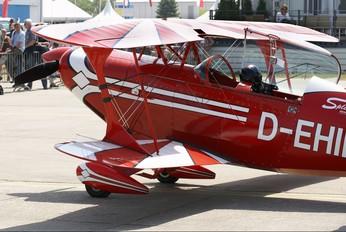 D-EHIL - Split Image Aerobatic Team Pitts S-2B Special