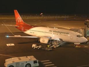 5R-MFI - Air Madagascar Boeing 737-300