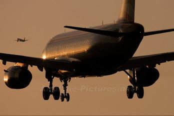 G-EUPS - British Airways Airbus A319
