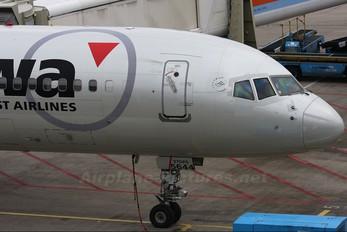 N544US - Northwest Airlines Boeing 757-200