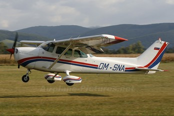 OM-SNA - Slovensky Narodny Aeroklub Cessna 172 Skyhawk (all models except RG)