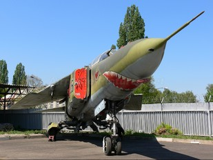 7905 - Czech - Air Force Mikoyan-Gurevich MiG-23UB