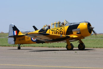 ZU-AOZ - Harvard Club of South Africa North American Harvard/Texan (AT-6, 16, SNJ series)