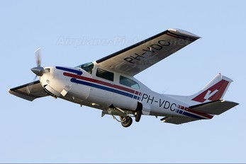 PH-VDC - Private Cessna 210 Centurion