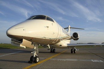 VP-CLV - Private Bombardier BD-100 Challenger 300 series