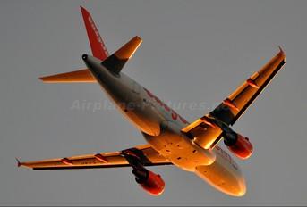 G-EZAH - easyJet Airbus A319