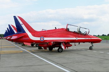 "XX260 - Royal Air Force ""Red Arrows"" British Aerospace Hawk T.1/ 1A"