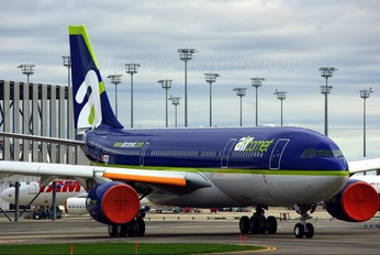 F-WWYS - Air Comet Airbus A330-200