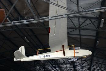 SP-8009 - Aeroklub Wroclawski PZL SZD-10 Czapla