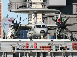 165296 - USA - Navy Grumman E-2C Hawkeye