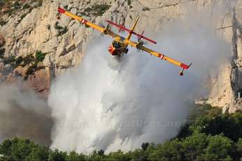F-ZBFX - France - Sécurité Civile Canadair CL-415 (all marks)