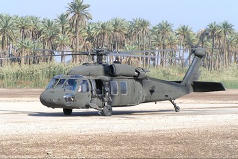 - - USA - Army Sikorsky UH-60A Black Hawk