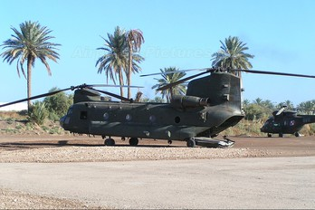 - - Royal Air Force Boeing Chinook HC.1