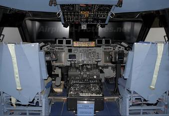 - - Simulator Lockheed C-141 Starlifter