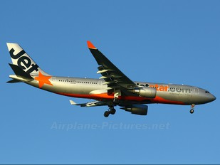 VH-EBF - Jetstar Airways Airbus A330-200