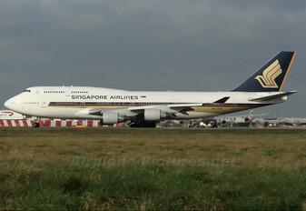 9V-SMZ - Singapore Airlines Boeing 747-400