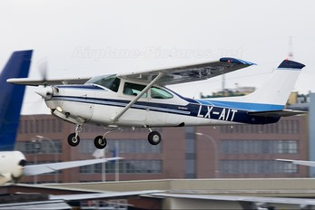 LX-AIT - Private Cessna 182 Skylane (all models except RG)