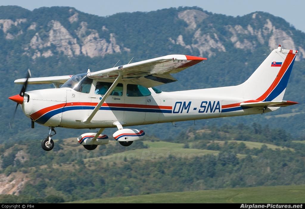 Slovensky Narodny Aeroklub OM-SNA aircraft at Dubnica nad Vahom - Slavnica