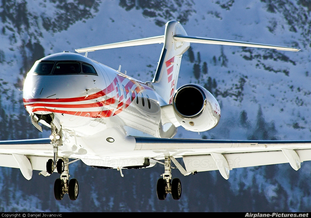 International Jet Management OE-HPZ aircraft at Samedan - Engadin