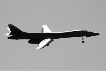 86-0104 - USA - Air Force Rockwell B-1B Lancer
