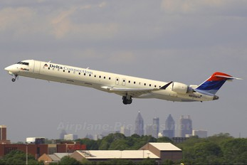 N800SK - Delta Connection - SkyWest Airlines Canadair CL-600 CRJ-900