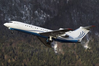 RA-42423 - Centre - Avia Yakovlev Yak-42