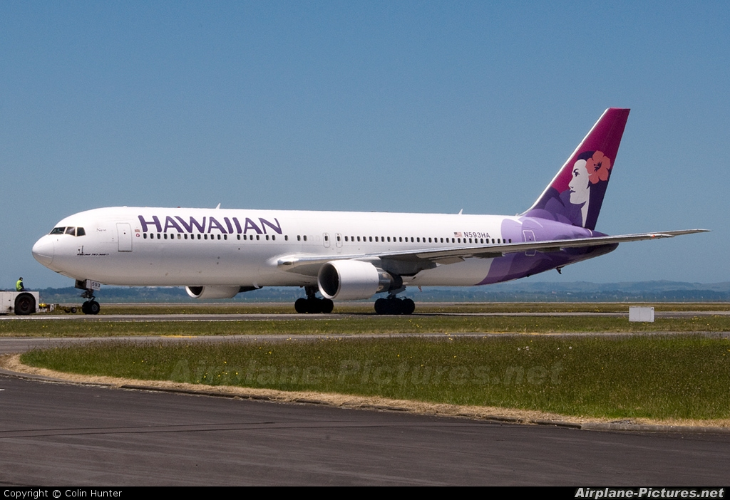 Hawaiian Airlines N593HA aircraft at Auckland Intl
