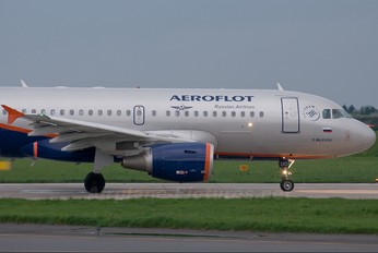 VP-BUO - Aeroflot Airbus A319