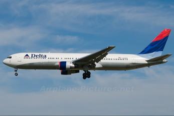 N184DN - Delta Air Lines Boeing 767-300ER