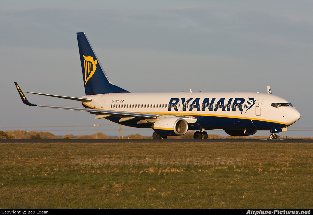 Ryanair EI-DPL aircraft at Prestwick
