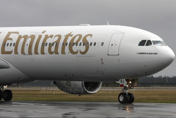 A6-ERJ - Emirates Airlines Airbus A340-500