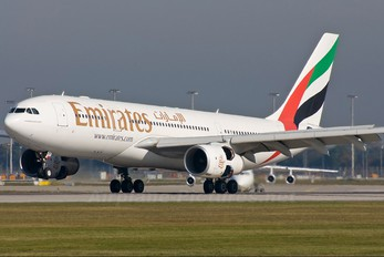 A6-EAH - Emirates Airlines Airbus A330-200