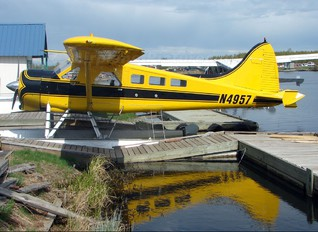 N4957 - Private de Havilland Canada DHC-2 Beaver
