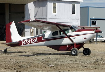 N7813A - Private Cessna 180 Skywagon (all models)