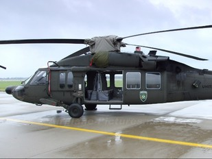 - - USA - Air Force Sikorsky UH-60A Black Hawk