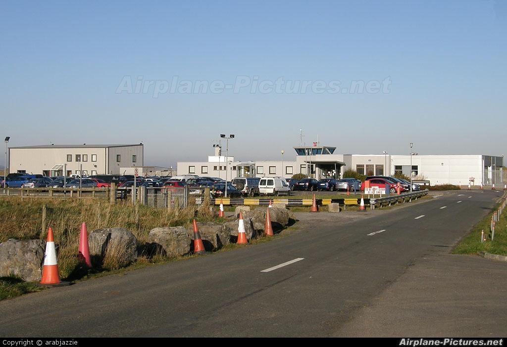 - Airport Overview - aircraft at Sligo Strandhill