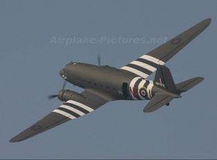 N47FK - Dakota Club Douglas DC-3