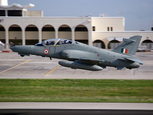 ZK142 - India - Air Force British Aerospace Hawk 132