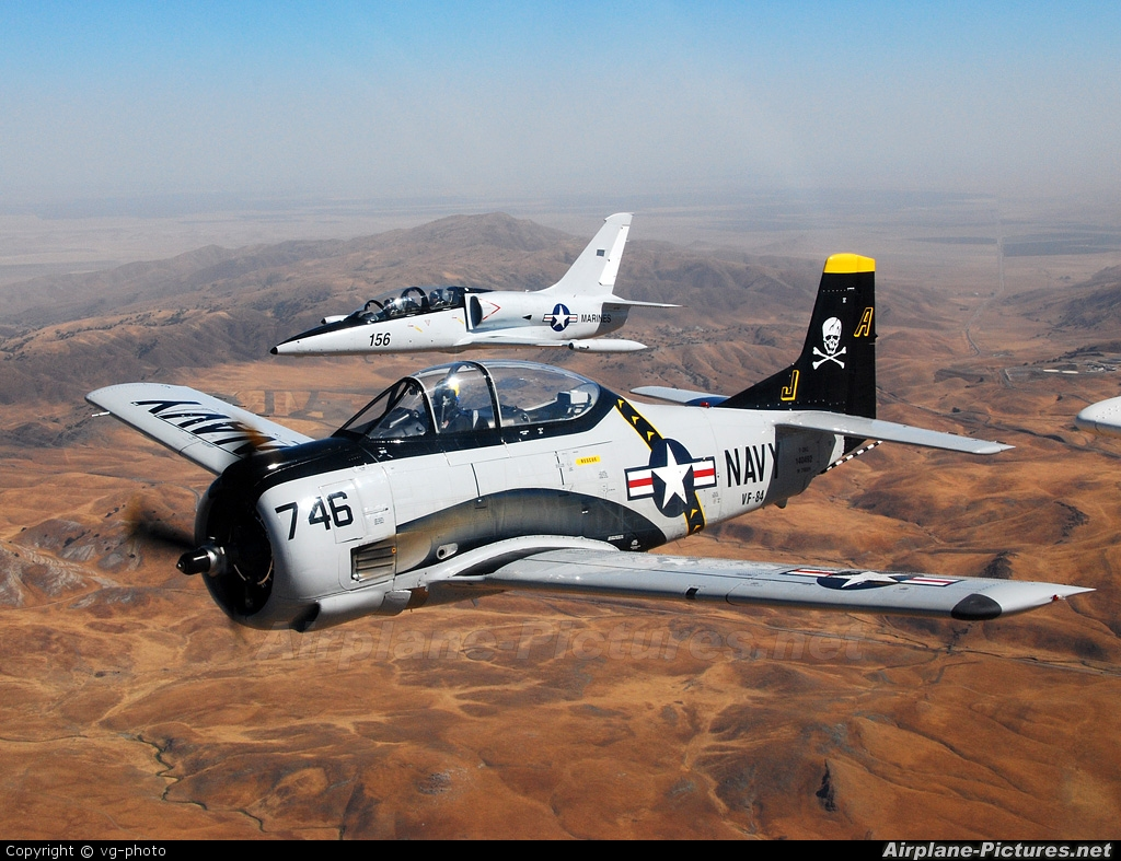 Private N746SH aircraft at In Flight - California