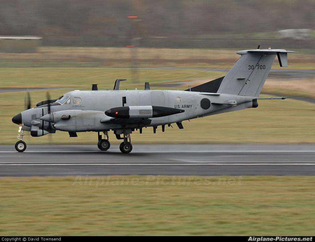 USA - Army 93-0700 aircraft at Prestwick