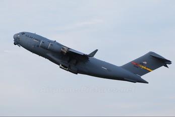 05-5140 - USA - Air Force AFRC Boeing C-17A Globemaster III