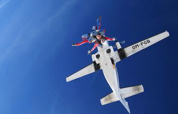 OM-PGB - Sky-Diving For Fun LET L-410 Turbolet