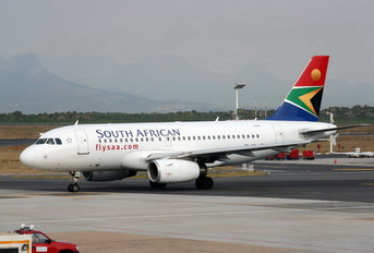 ZS-FSL - South African Airways Airbus A319