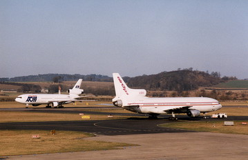 - - AOM McDonnell Douglas DC-10